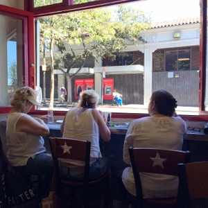 BERKELEY-Tele-Blondie's Pizza-window seat-c2015 Carole Terwilliger Meyers-iPhone-fnl-300pix