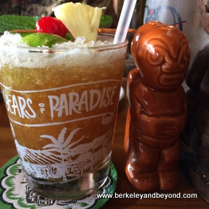 EMERYVILLE-Trader Vic's-mai tai 1-c2014 Carole Terwilliger Meyers-iPhone-300pix