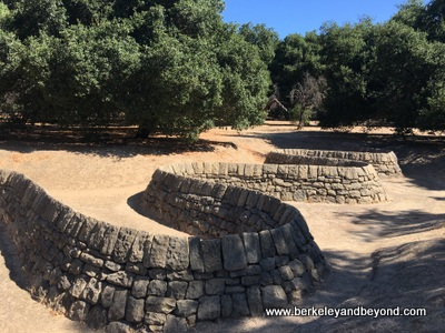 PALO ALTO-Cantor Arts Center-Stone River by Andrew Goldsworthy 8-c2019 Carole Terwilliger Meyers-400pix