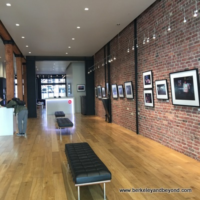 SF-Leica Store and Gallery-interior 2-c2019 Carole Terwilliger Meyers-400pix
