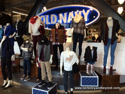 SF-Old Navy-display-c2014 Carole Terwilliger Meyers-iPhone-400pix