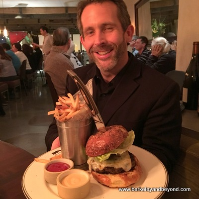 SF-Urban Tavern-burger+James Lovaas-c2017 Carole Terwilliger Meyers-fnl-400pix