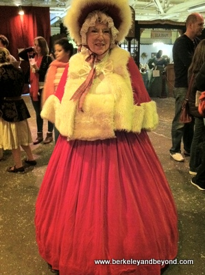 SF-AnnualEvents-Dickens Fair-Female Santa-11-24-12-400pix(iPhone-c2012CaroleTerwilligerMeyers)
