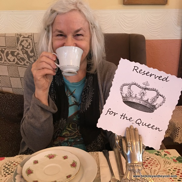 CALIFORNIA-SF-Noe Valley-Lovejoy's Tea Room-Reserved for the Queen+Carole 1-c2016 Gene Meyers-600pix