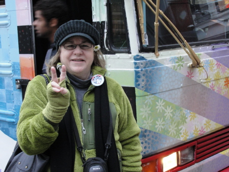 SF-MagicBus-Carole+Peace Sign-c2011 Gene Meyers