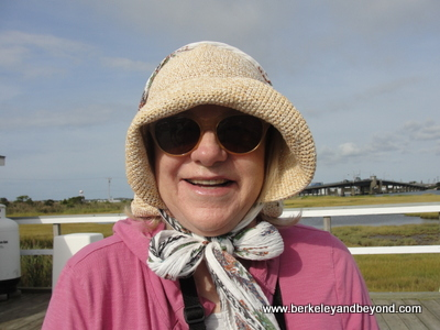 NEW JERSEY-Cape May-Skimmer tour-Carole in straw hat + neck scarf-c2013 xxs-400pix