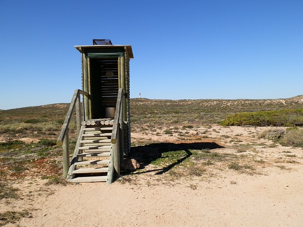 12-loos with a view-Quobba Blowholes-Western Australia-c Marion (Red Nomad) 600pix