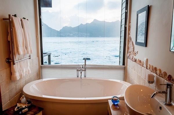 17-loos-South Africa-Cape Town-Tintswalo Atlantic-bathroom-c Laura+Lance Longwell