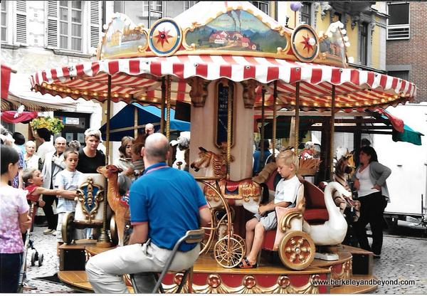 18-carousels-Switzerland-Bellinoza-Seetaler carousel-c Carole Terwilliger Meyers-photo scan-600pix