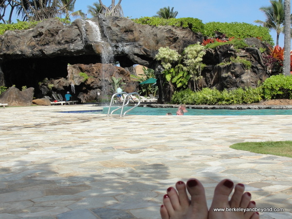 feet-Kauai-Kauai Beach Resort-pool+toes-c2014 Carole Terwilliger Meyers-600pix