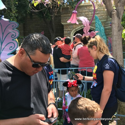 ANAHEIM-Disneyland-Alice in Wonderland-cellphones+ears 1-c2016 Carole Terwilliger Meyers-400pix