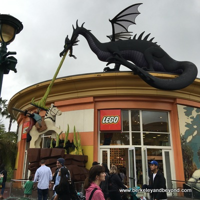 ANAHEIM-Downtown Disney-LEGO shop+dragon-c2016 Carole Terwilliger Meyers-400pix